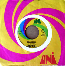STRAWBERRY ALARM CLOCK - TOMORROW  b/w BIRDS IN THE TREES - UNI 45