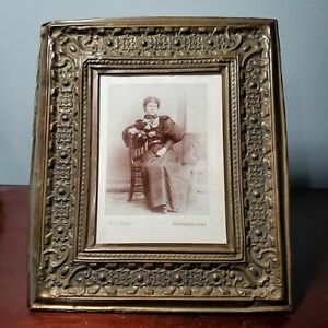 Victorian Ornate Metal Tin Leaning Picture Frame w/ Photo of Beautiful Woman