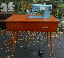 VINTAGE/RETRO SINGER 327K SEWING MACHINE TABLE - GOOD WORKING CONDITION