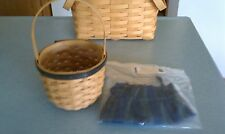 Longaberger Collector's Club 2004 Renewal Basket with liner New in box