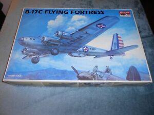 ACADEMY 1666, 1/72 BOEING B-17C FLYING FORTRESS PLASTIC MODEL KIT