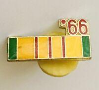 1966 Vietnam Service Medal Army Ribbon Pin Badge US Military Vintage (A5)