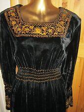 Hermoso Vestido De Longitud Completa Vestido De Terciopelo// bata. tamaño Mediano