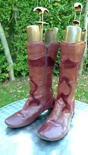 Think burgundy leather heeled boots size EU 39       (C37)