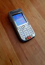 Sony Ericsson K700i in Eisgrau-blau