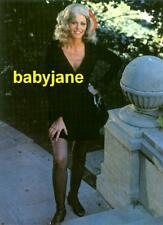 006 LINDSAY WAGNER WEARING BLONDE WIG THE BIONIC WOMAN PHOTO