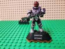 HALO MEGA BLOKS SPARTAN OCEANIC  MINIFIGURE WITH STAND BRAND NEW