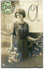 CPA - Carte Postale - Fantaisie - Portrait d'une Femme - Fleurs - 1912 (M7902)
