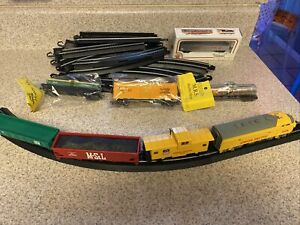 Bachmann 66702 HO Scale Union Pacific #989 Diesel Locomotive Beautiful Set