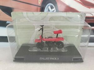 LEO / HATCHETTE - ITALJET PACK 3  - red scooter - 1/18 SCALE MODEL SCOOTER