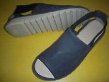 The Flexx Shoreline Leather Peep-Toe Sandals Flats Women's 7 M / EUR 38 Navy