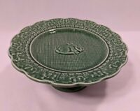 Bordallo Pinneiro Portugal 8 Inch Green Easter Bunny Plate with Pedestal