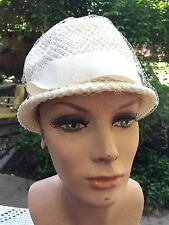 VINTAGE LADIES' OFF WHITE/IVORY STRAW CLOCHE HAT WITH WIDE NYLON BAND & BOW