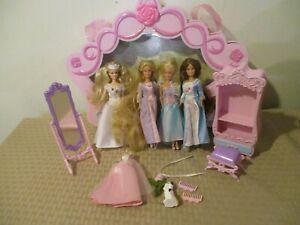 Miniature 1999 Mattel Mini Kingdom 6-inch Lot of 4 Barbie Dolls Dresses Case