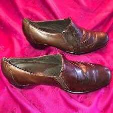 Clark's ladies 10M brown leather slip-on casual shoes, #89488, elastic gores