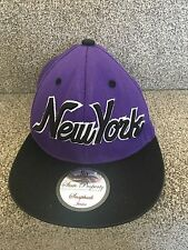 New York State Property Gorra Junior con Adhesivo. púrpura. buen Estado