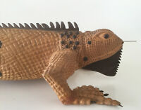 BEAUTIFUL HANDCRAFT IGUANA IN WOOD & NATURAL COLORS ART PRODUCT OF MARQUETRY ART