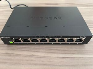 Netgear GS308 8 port Gigabit Ethernet Switch - used but in perfect condition!