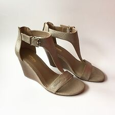 NWOB Kenneth Cole Reaction Great Gal Wedge Sandals Shoes Size7.5 Gold