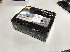 Nikon COOLPIX S3300 Silver Digital Camera 16 mp 6X Zoom