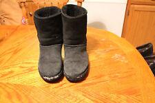 UGG AUSTRALIA WOMEN'S Classic Short 5800 FW8388 BLACK Winter Boots Size m8