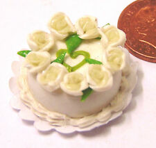 1:12th Scale Cake With White Icing & Roses Dolls House Miniature Accessory T6w