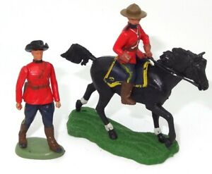 BRITAINS SWOPPET CANADIAN MOUNTIE MOUNTED AND ON FOOT - RARE PAIR