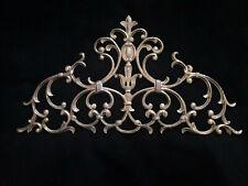 Fronton ancien en bronze doré décor pomme de pin old gilded bronze pediment