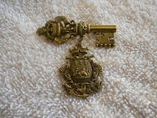 VINTAGE CORO SKELETON KEY DANGLE DRAGON SERPENT COAT OF ARMS BROOCH PIN