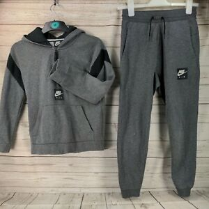 Grey/black Nike Air Boys Tracksuit Age 12-13 Years good used condition