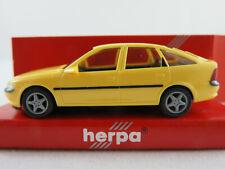 Herpa 021906 Opel Vectra B Fließheck (1995-1999) in gelb 1:87/H0 NEU/OVP