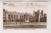 Cambridgeshire postcard - Old Great Court, Trinity College, Cambridge - P/U (A4)