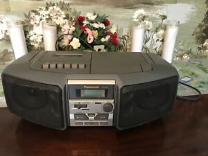 Panasonic RX-DS5 AM/FM Stereo / CD / Cassette Boombox Portable Radio Works Grea