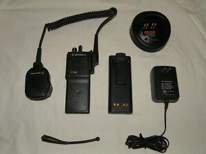 Motorola HT1000 UHF 450-520MHz Radio,16Ch, 4W, H01SDC9AA3DN, Works Fine