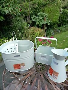 Vintage Bentley English Heritage Trio.1/13L  Metal mop bucket with wringer...