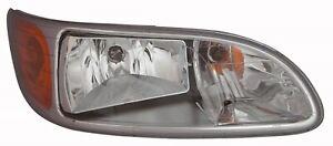 PETERBILT 325 335 337 340 2000-2015 RIGHT PASSENGER HEADLIGHT HEAD LIGHT LAMP
