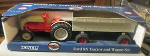 ERTL 1/16 SCALE FORD 8N TRACTOR WITH WAGON SET MINT IN BOX