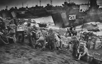 WWII photo American Marines are landed from amphibious ships on Iwo Jima 34i