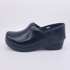 Sanita Professional Cabrio Clog Women's 35 EU / 5 US Black Leather Nurse Shoe
