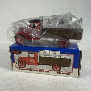 """1931 HAWKEYE CRATE TRUCK COIN BANK BIG """"A"""" AUTO PARTS ERTL 1:34 DIE-CAST"""