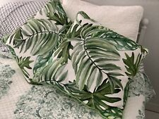 2 pillows decorative indoor/outdoor tropical leaf pattern18x18 Perfect Condition