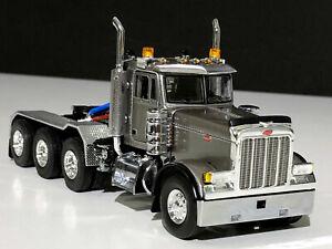 "Peterbilt 379 8x4 day cab ""silver"" WSI truck models, 1:50"