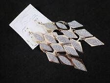 Hermosa Elegante entonado espumoso de Oro Esmerilado con forma de diamante Pendientes señoras