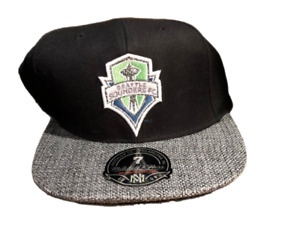 NWT New Seattle Sounders FC Mitchell & Ness Logo Size 7 Fitted Hat