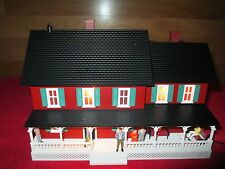 MTH 30-90513 COUNTRY HOUSE -RED W/GREEN SHUTTERS