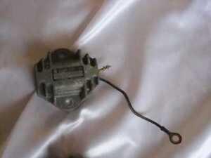 SUZUKI GS 750_400_550 Spannungsregler Gleichrichter Lichtmaschine 32500-45011