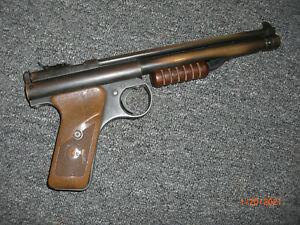 EARLY BENJAMIN FRANKLIN PUMP AIR .22 PELLET PISTOL Model 132