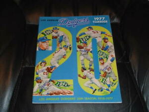 1977 LOS ANGELES DODGERS BASEBALL YEARBOOK KOUFAX COVER EX-MINT PLUS