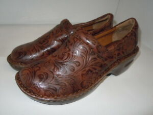 """B.O.C Born Of Concept """"Peggy"""" Brown Embossed NURSING CLOG  Size 9.5"""