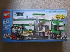 * New * Lego City 7733 Airport Train Cargo Car Truck Forklift Sealed Box